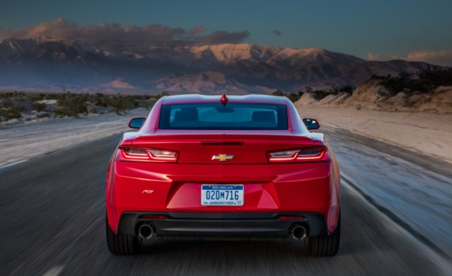 2016-Chevrolet-Camaro-RS-1041-876x535-658x401